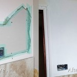 Plaster wall repair before and after by Moncast